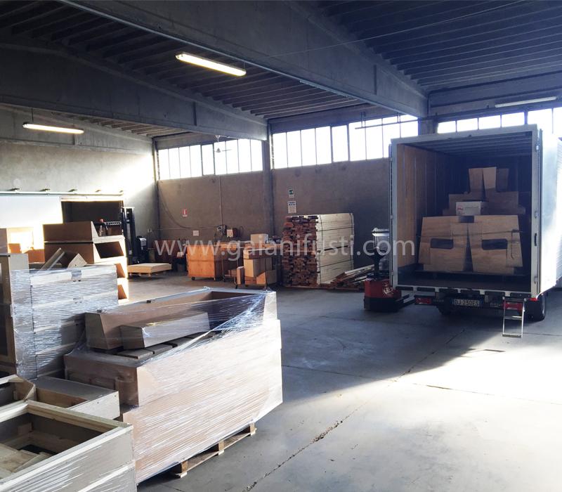 GAIANI-Fusti-per-salotti-laboratorio-consegna-merce